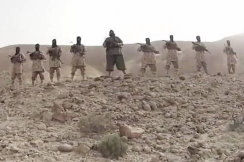 Ritorna in video il bulldozer dell'Isis