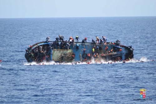 Naufragio canale di Sicilia, strage di bambini in mare