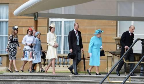 Sua Maestà Elisabetta risistema il Palazzo: super conto ai cittadini