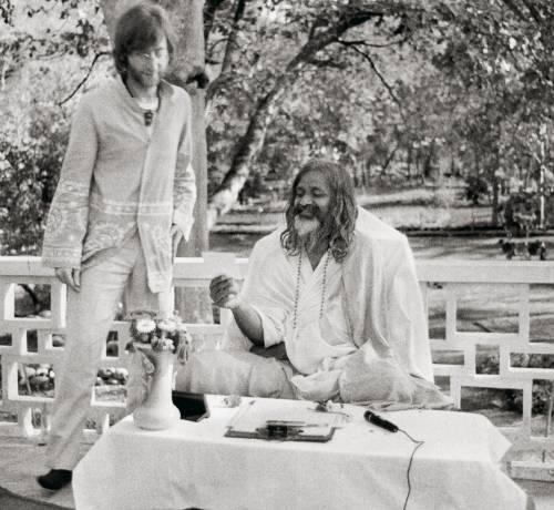 I Beatles in India Storia (dell'arte) di una moda pop