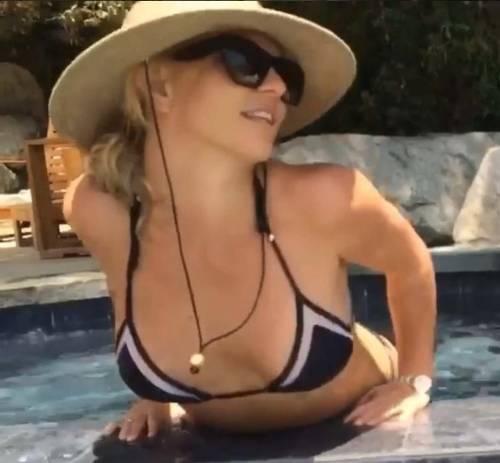 Britney Spears con gli occhiali, foto 6