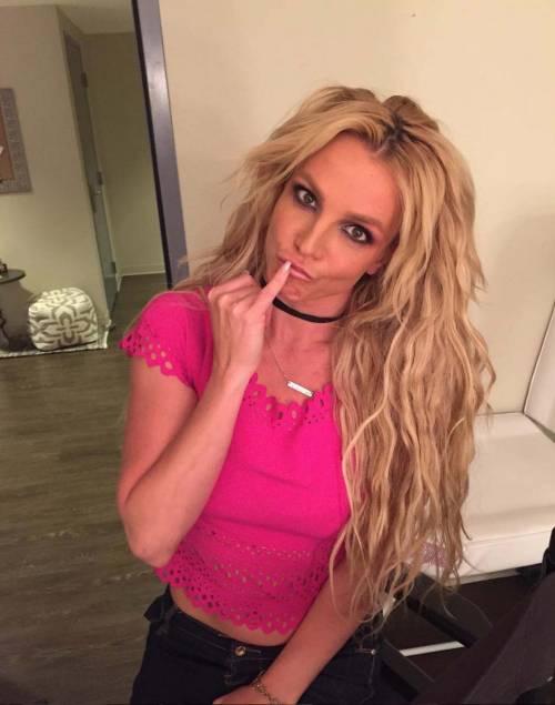 Britney Spears con gli occhiali, foto 7