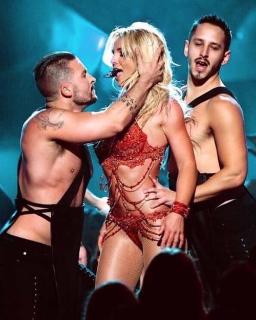 Britney Spears con gli occhiali, foto 15