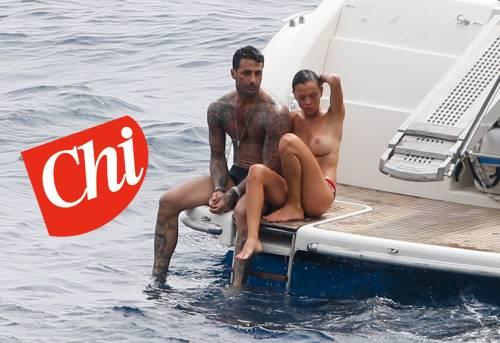Fabrizio Corona e Silvia Provvedi hot sullo yacth a Capri 2