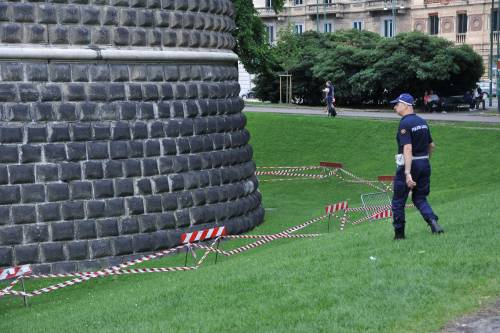 Crollano frammenti della torre: paura al Castello Sforzesco 9