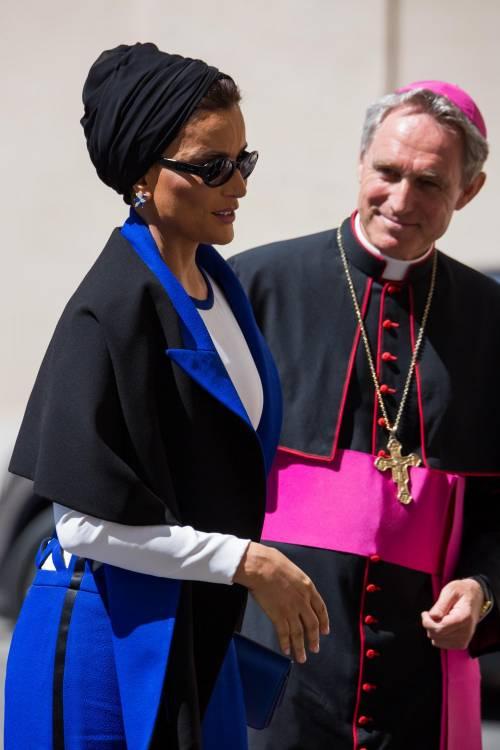 Papa Francesco riceve in Vaticano la sceicca del Qatar 5