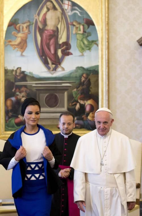 Papa Francesco riceve in Vaticano la sceicca del Qatar 12