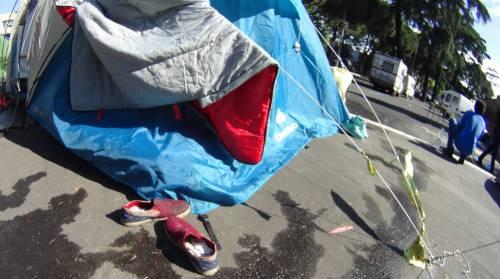 Emergenza profughi a Roma: in centinaia accampati in via Tiburtina  2