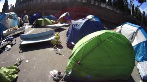 Emergenza profughi a Roma: in centinaia accampati in via Tiburtina  7