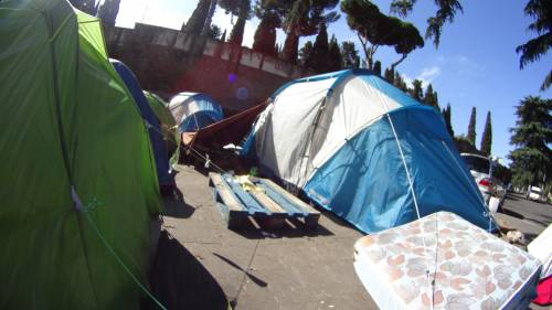 Emergenza profughi a Roma: in centinaia accampati in via Tiburtina  9