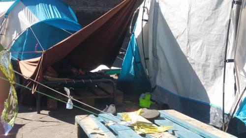 Emergenza profughi a Roma: in centinaia accampati in via Tiburtina  10