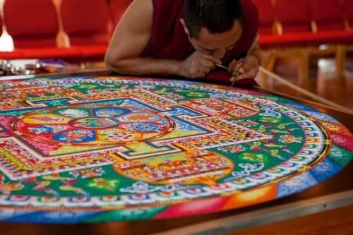 Un Mandala tibetano colora il cuore di Milano
