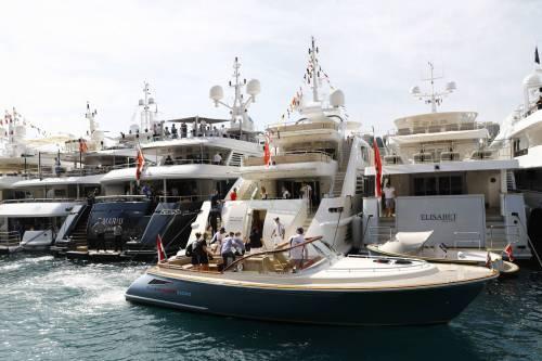 Sesso e droga nello yacht: imprenditore e amante morti