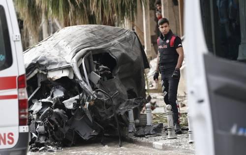 Autobomba fa strage a Istanbul 6