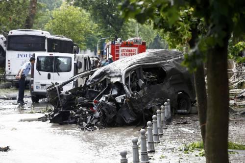Autobomba fa strage a Istanbul 4