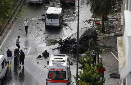 Autobomba fa strage a Istanbul 5