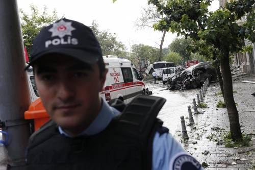 Autobomba fa strage a Istanbul 9