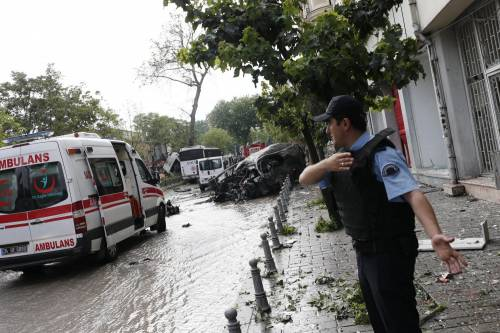 Autobomba fa strage a Istanbul 10