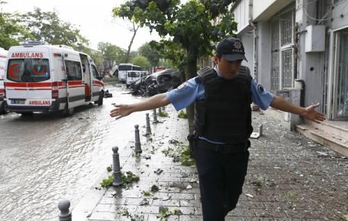 Autobomba fa strage a Istanbul 8