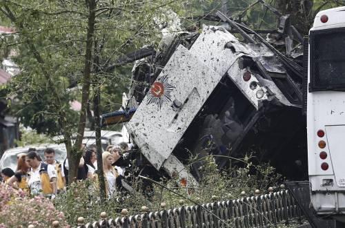 Autobomba fa strage a Istanbul 2