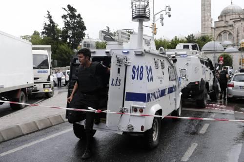Autobomba fa strage a Istanbul 11