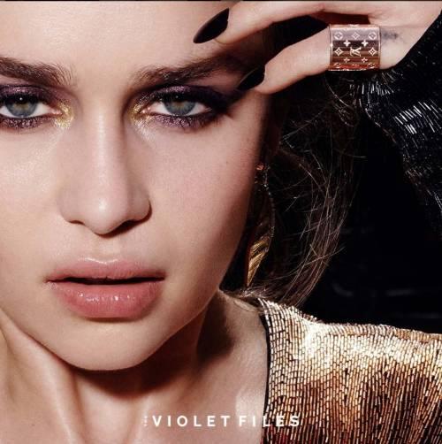 Emilia Clarke in topless, foto 4