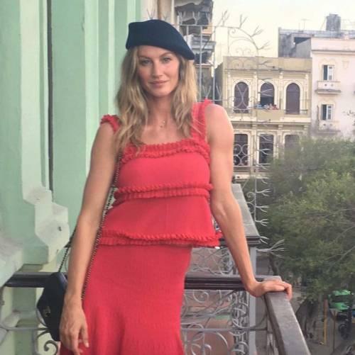 Gisele Bündchen: mamma, donna e modella su Instagram 13