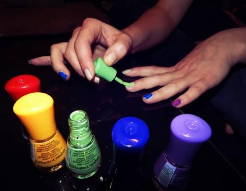 Smalti per unghie, i colori in foto 9
