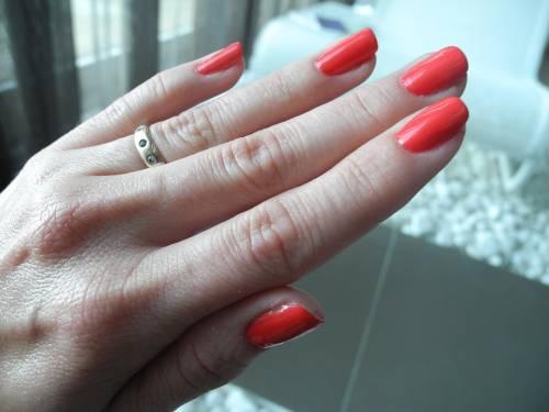 Smalti per unghie, i colori in foto 11