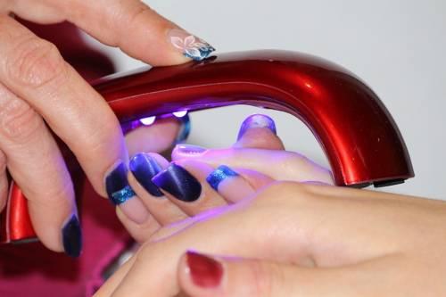 Smalti per unghie, i colori in foto 18