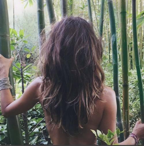 I topless VIP su social network, immagini 32