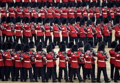 I 90 anni della regina Elisabetta: la Royal Family al balcone di Buckingham Palace 12