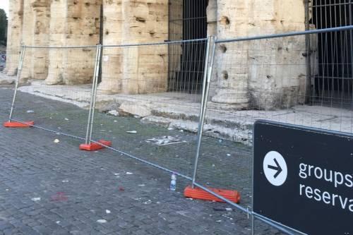Il Colosseo della vergogna: turisti tra rifiuti ed escrementi 4