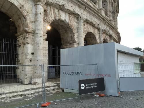 Il Colosseo della vergogna: turisti tra rifiuti ed escrementi 9