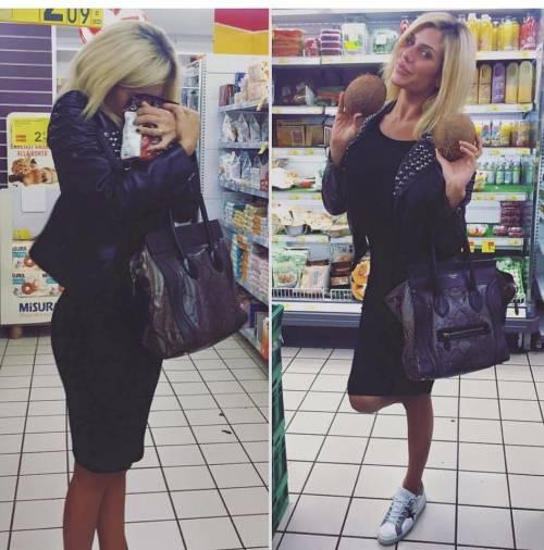 Paola Caruso supersexy dopo l'Isola dei Famosi 18