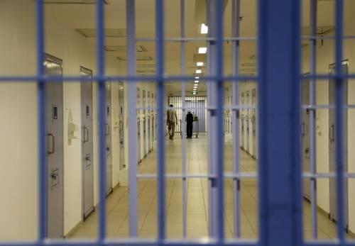 Cuoca del penitenziario va a letto con i detenuti: ora è accusata di stupro