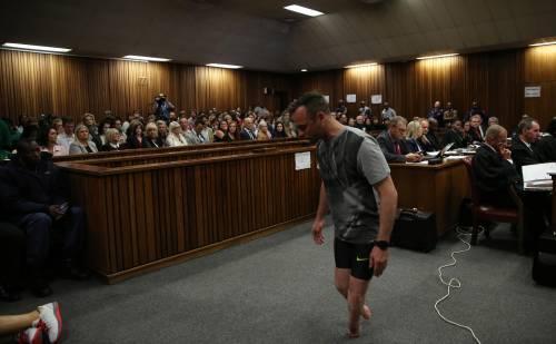 Pistorius sfila in aula senza protesi 7
