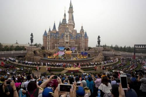 Shangai, apre il primo Disneyland cinese  9