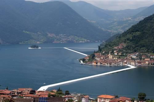 """""""The floating piers"""", la passerella di Christo 2"""