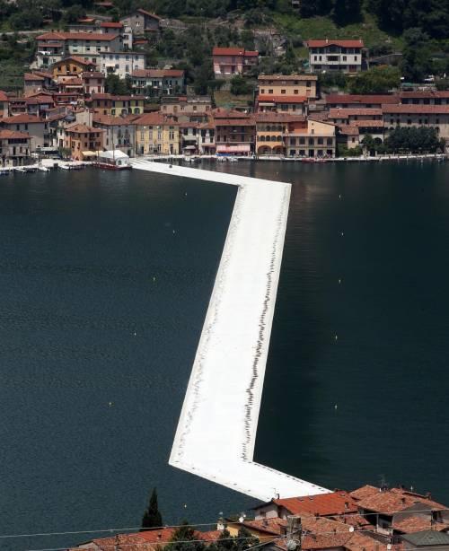 """""""The floating piers"""", la passerella di Christo 7"""