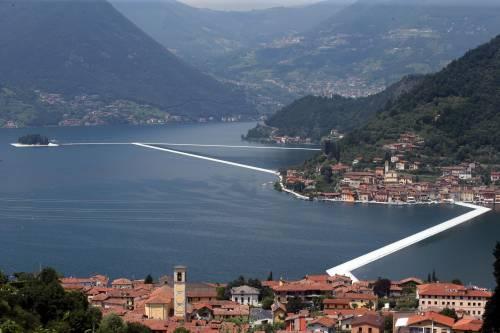 """""""The floating piers"""", la passerella di Christo 6"""