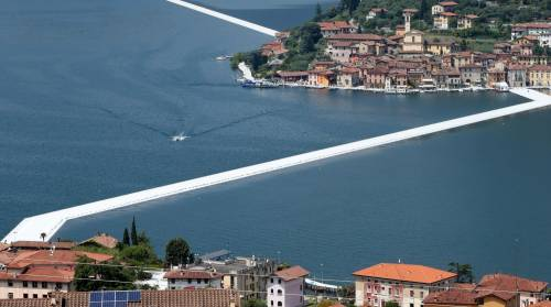 """""""The floating piers"""", la passerella di Christo 8"""