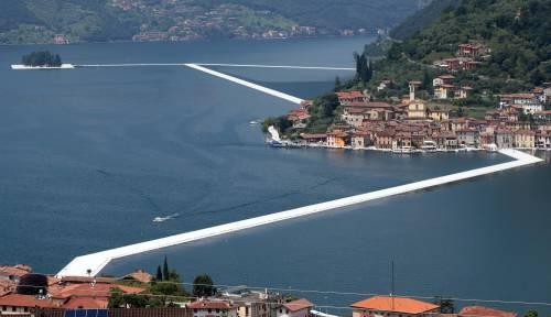 """""""The floating piers"""", la passerella di Christo 9"""