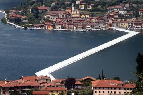 """""""The floating piers"""", la passerella di Christo 11"""