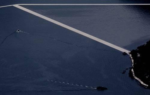 """""""The floating piers"""", la passerella di Christo 16"""