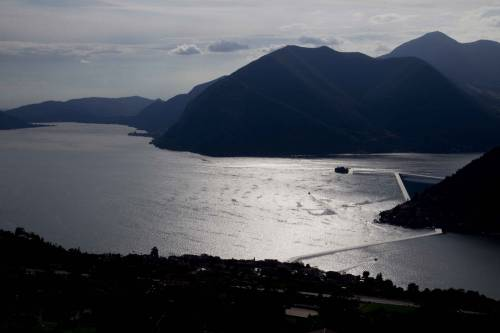 """""""The floating piers"""", la passerella di Christo 19"""