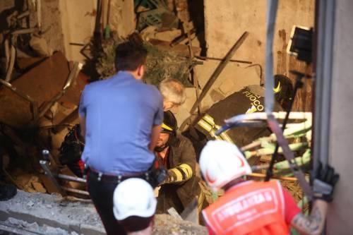 Bologna, esplosione in centro: sventrato un ristorante giapponese 2
