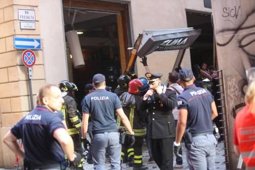 Bologna, esplosione in centro: sventrato un ristorante giapponese 5