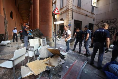 Bologna, esplosione in centro: sventrato un ristorante giapponese 3