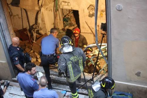Bologna, esplosione in centro: sventrato un ristorante giapponese 6